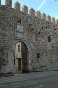 Brihuega. Puerta de la Cadena