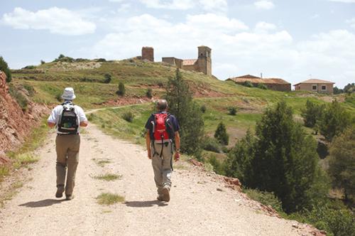 Senderistas por el GR-160 Camino del Cid