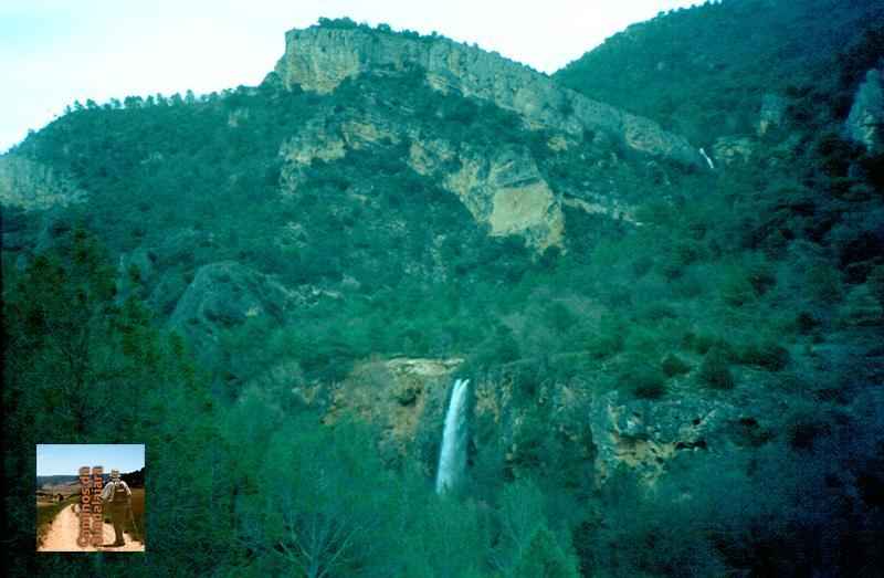 Cascada de los Ojos de la Carquima en el Hundido de Armallones (Alto Tajo)